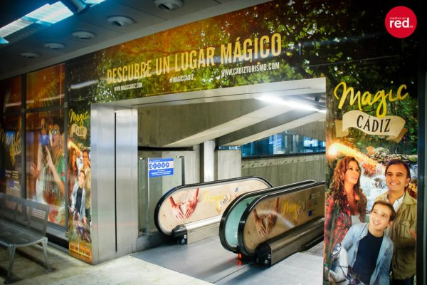 sofiskita-diseno-grafico-magic-cadiz-metro6
